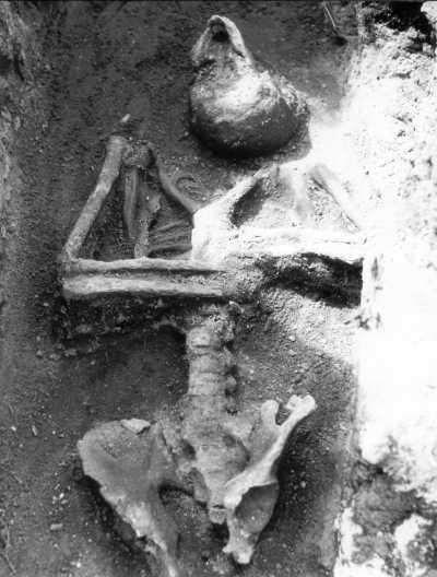 """Image result for hroby upírů and čelakovice"""""""